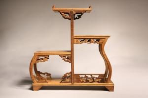 Резная мебель: респектабельность и изысканность